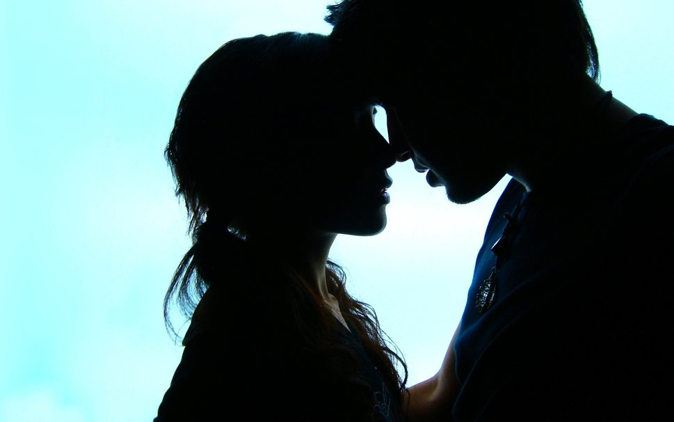 3 Crazy Lies about Love & Falling in Love in Relationships
